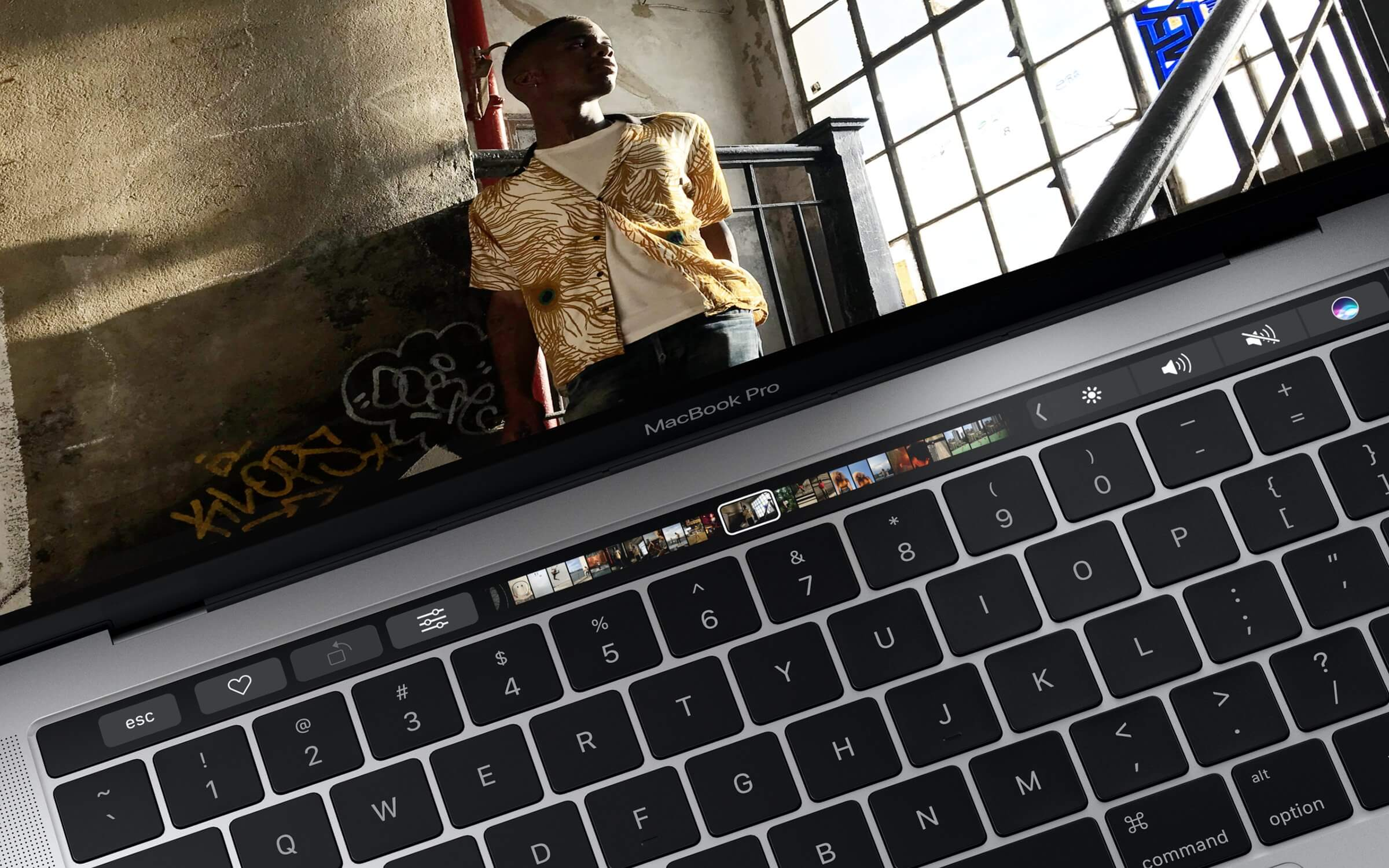 No touch bar, more connections and with MagSafe?